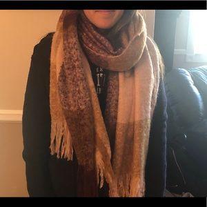 Zara Accessories - Zara scarf